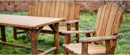 Уход за деревянной садовой мебелью